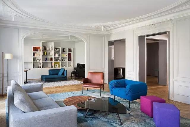 沙发这样摆 客厅立马显得大一倍